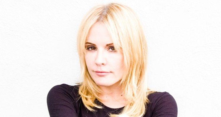 Emma Caulfield Age, elokuvat, TV-ohjelmat, aviomies, lapset, korkeus, Twitter